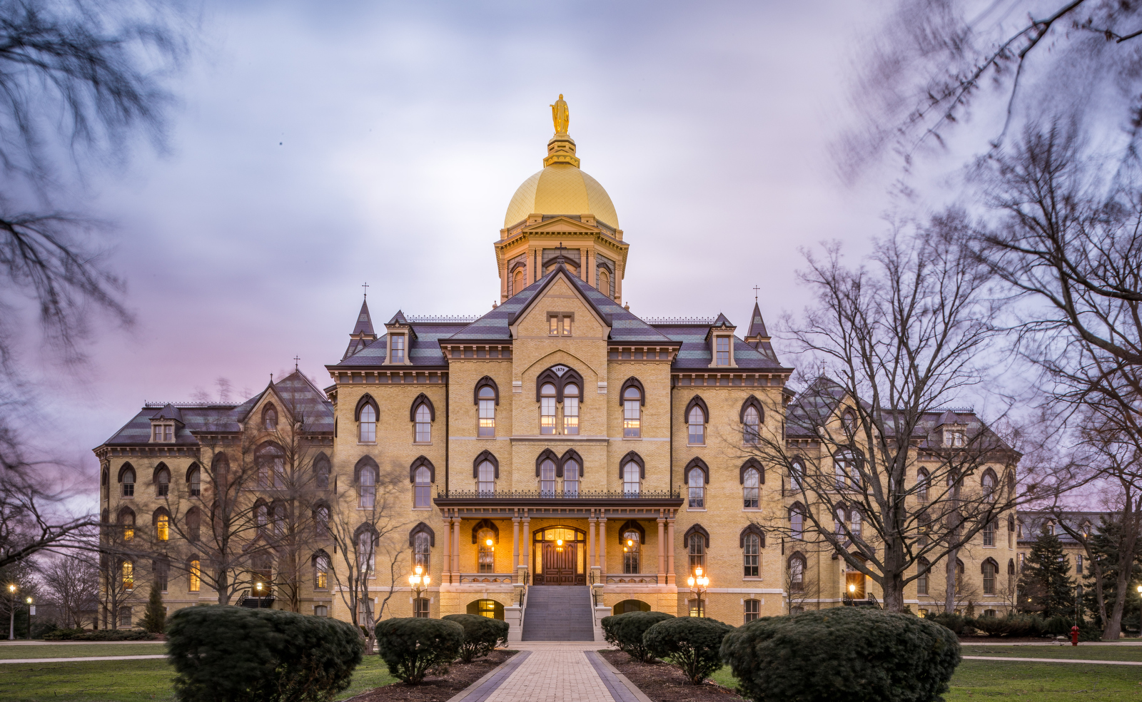 university of notre dame college essay University of notre dame is a private institution that was founded in 1842 it has a total undergraduate enrollment of 8,576, its setting is city, and the campus size is 1,265 acres university of notre dame's ranking in the 2019 edition of best colleges is national universities, 18.